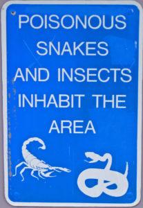 Snake_warning_sign