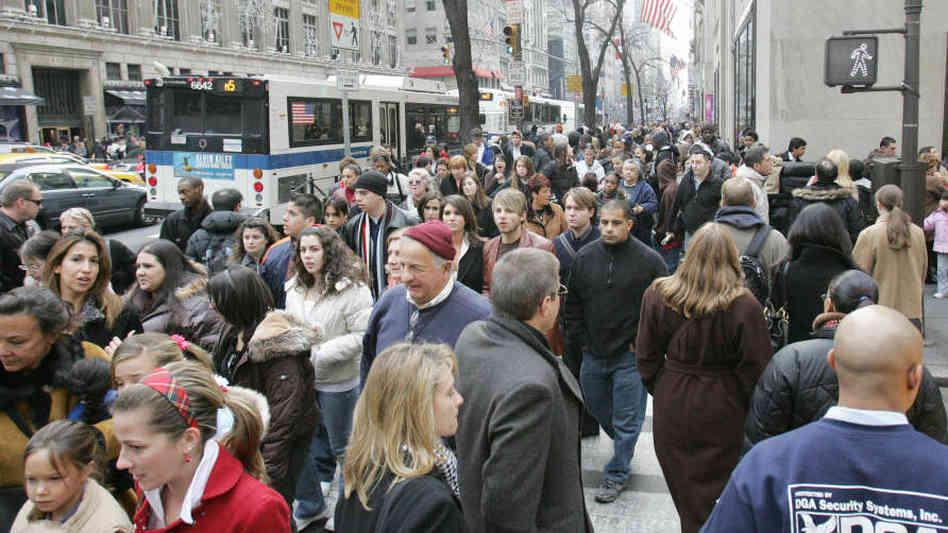 crowdedsidewalk_wide-8ba68b00c818f0f3ebd5a67e42398cc9dbe9f864-s6-c30